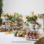 słodki-kącik -candy-bar-ciasteczka- bankietowe-cukiernia-pod- arkadami- catering -krakow-słodki-stół blog