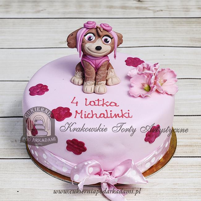 Różowy-tort-zdobiony-cukrowymi-kwiatuszkami-z-figurką-SKYE-z-bajki-Psi-Patrol-Cukiernia-pod-Arkadami BLOG