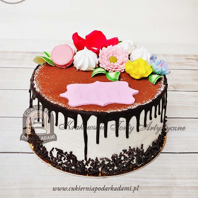 334BA Drip_cake_tort_z_polewą_dekorowany_kwiatami_cukrowymi_i_makaronikami_blog